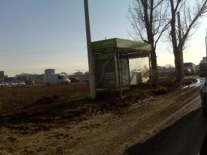 statie de autobuz in camp