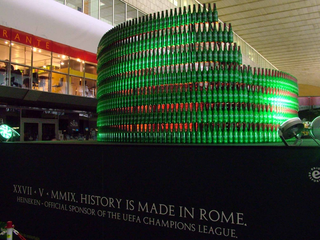 Heineken_Bottle_Colosseum