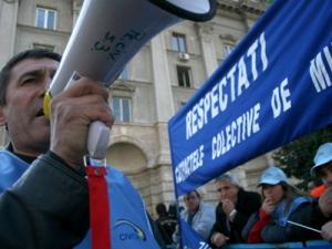 PROTEST - FUNCTIONARI PUBLICI